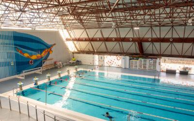 El Ayuntamiento comienza el proceso de contratación para el cambio a cloración salina de la piscina cubierta de La Salobreja y abre la descubierta de 50 metros a los clubes para entrenamientos previos a campeonatos