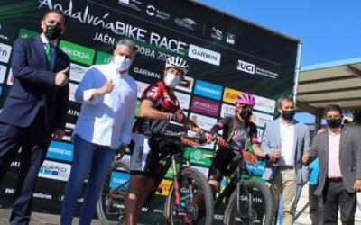 El Ayuntamiento destaca la promoción y el retorno turístico y económico de la Andalucía Bike Race que arranca hoy de Jaén y reúne a 500 corredores