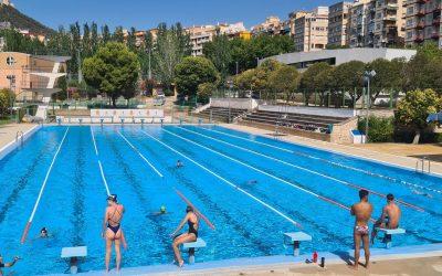 Las tres piscinas municipales han recibido a 30.800 usuarios desde que abrieron sus puertas el pasado 26 de junio con una rebaja del coste de la entrada para personas con diversidad funcional, desempleados o familias numerosas